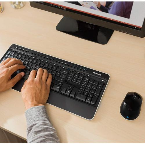 Microsoft Wireless Desktop 3050 Keyboard 128-bit Encryption and Blue Track Optical Mouse