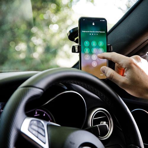 oneo Drive One Touch-Autotelefonhalter - Montieren durch Absaugung