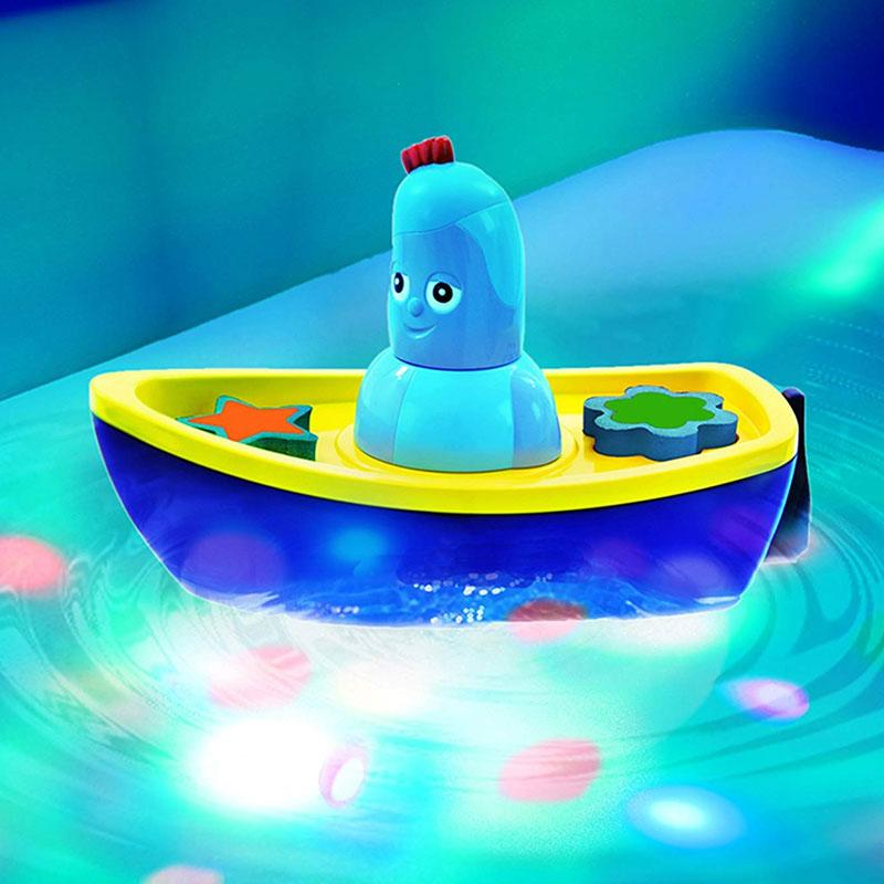 In The Night Garden Iggle Piggle's Lightshow Bath Time Boat