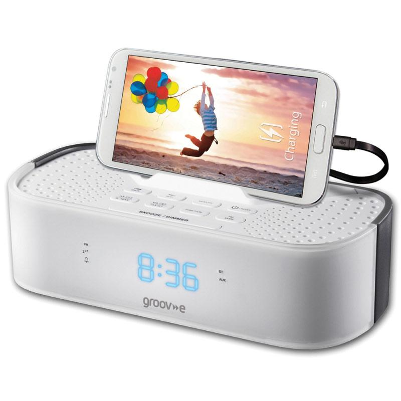 Groov-e TimeCurve Alarm Clock Radio with USB Charging Station - White
